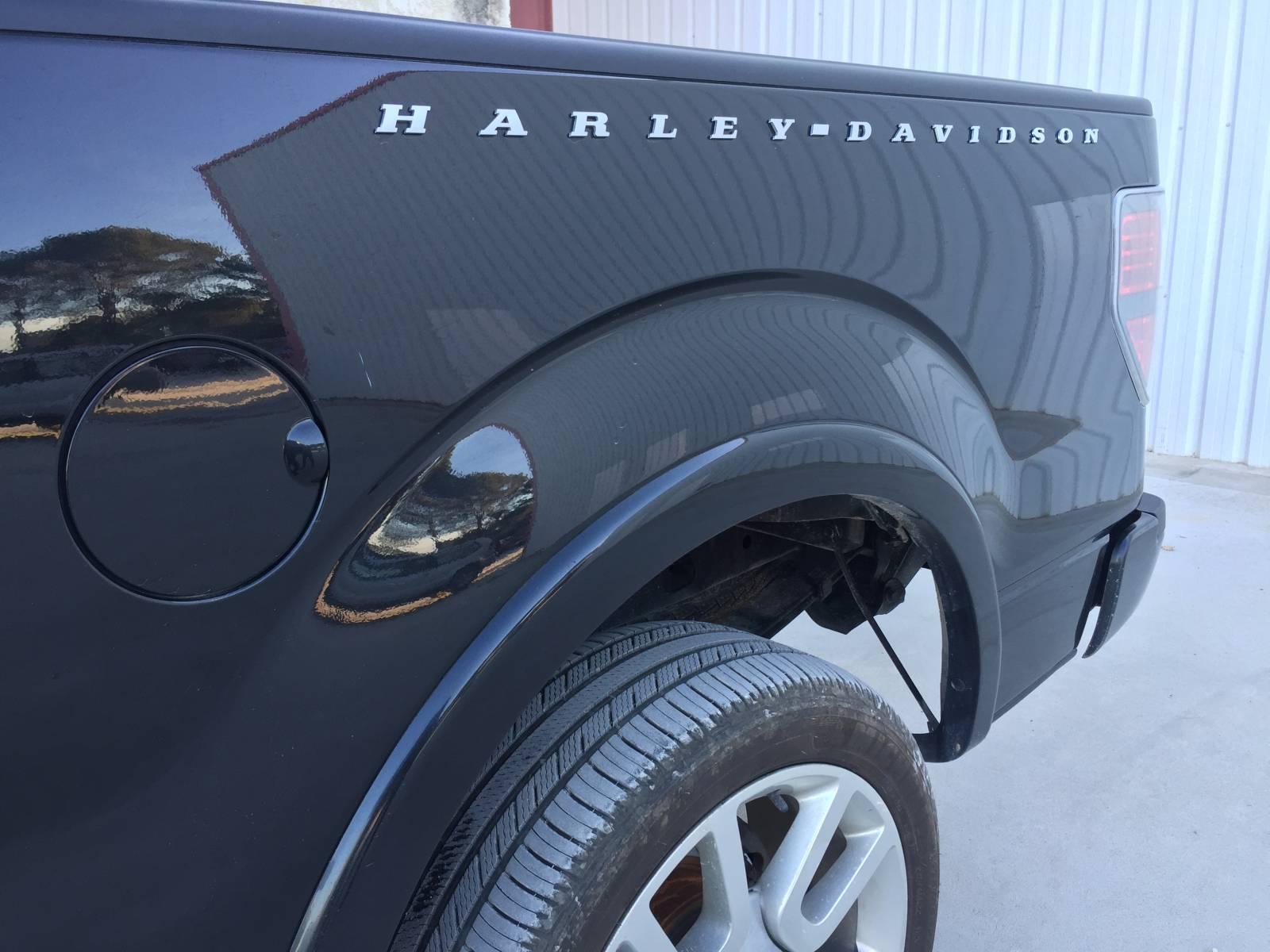 voiture am ricaine d 39 occasion ford f150 harley davidson 2011 v8 6 2l sun motors. Black Bedroom Furniture Sets. Home Design Ideas